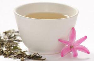 El té blanco promueve la pérdida de barriga